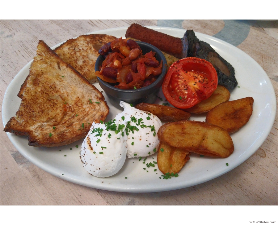 And here it is, my Wag N Tales special breakfast. It was as good as it looks!