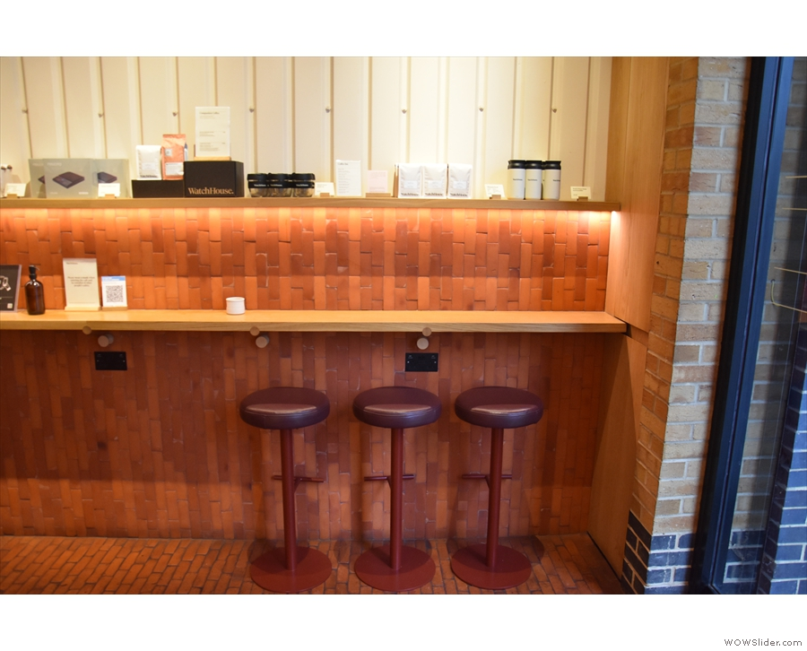There are other nice touches, including multiple power outlets and hooks under each bar.