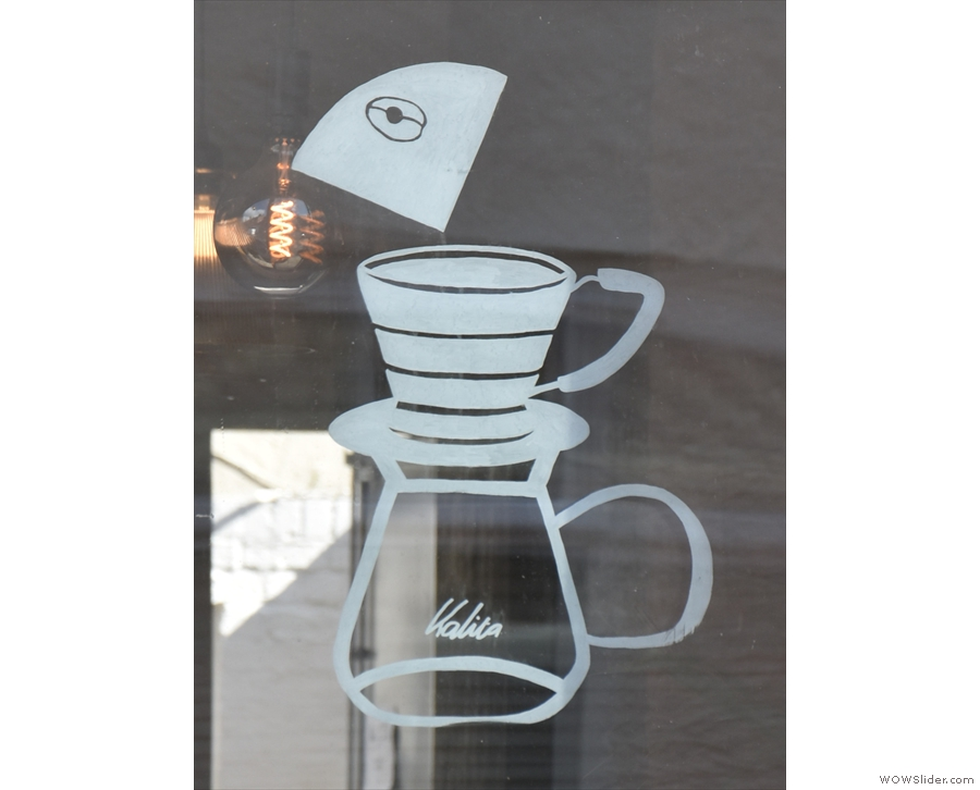 Why, it's a Kalita Wave filter! Looks like we've struck gold!