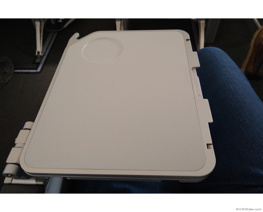 ... the armrest, folding out like this...