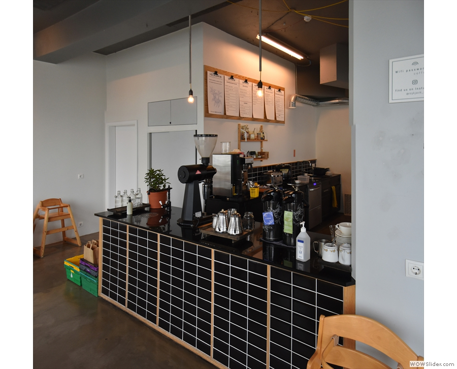 The counter also extends down this side, where you will find the pour-over area.
