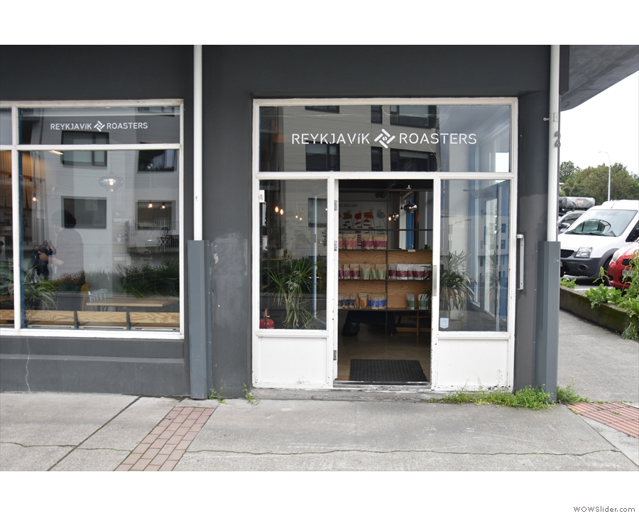 ... although the address and the main door are on Brautarholt.