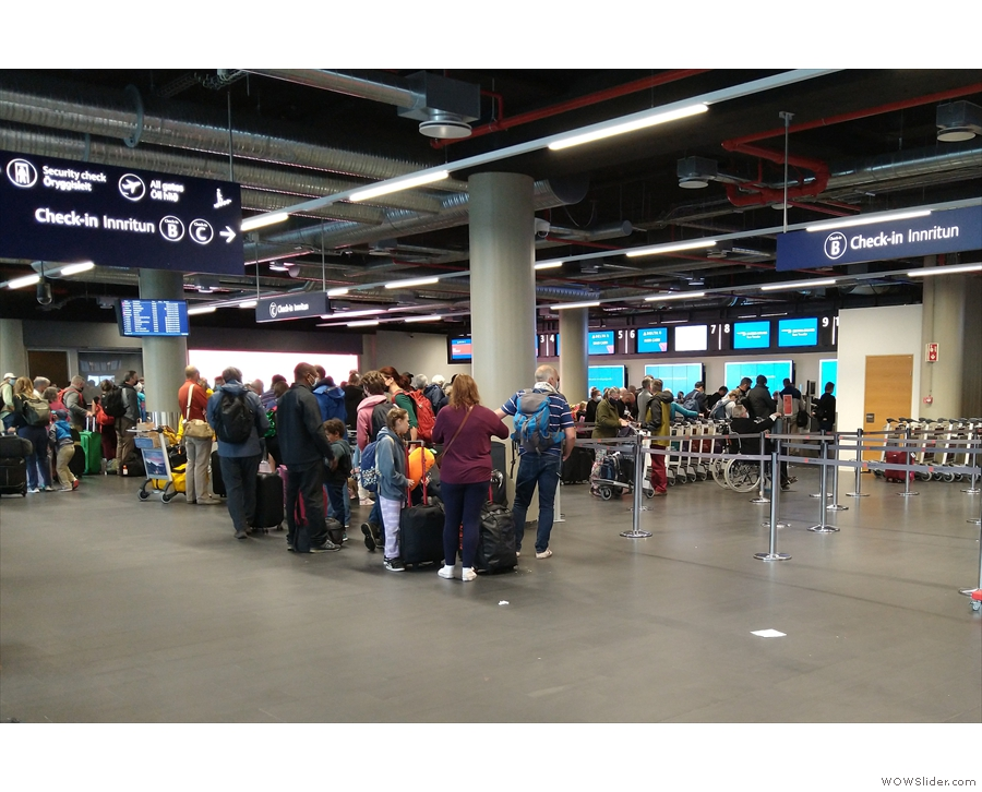 This is my queue, for the British Airways check-in (and it was longer when I joined it).
