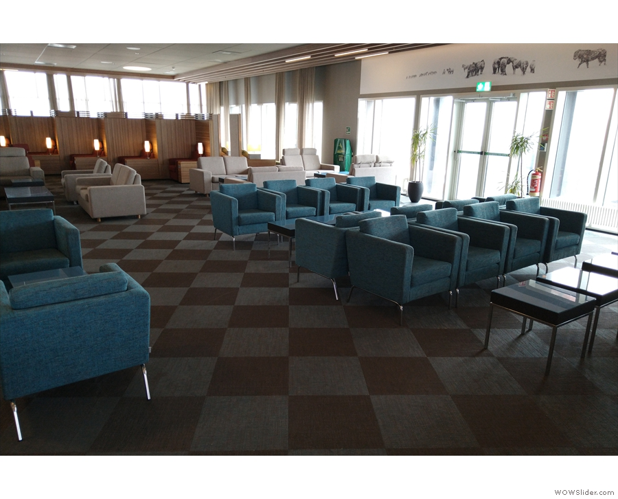 ... and more lounge-type seating...