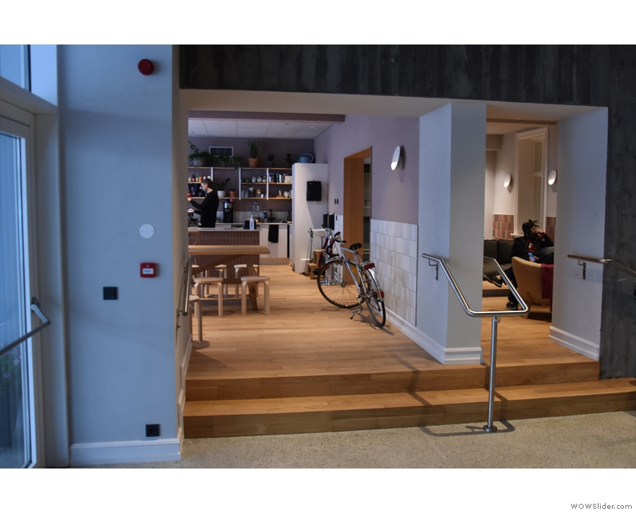 There is another way into Kaffi Ó-le, which is through the lobby of the Radisson.
