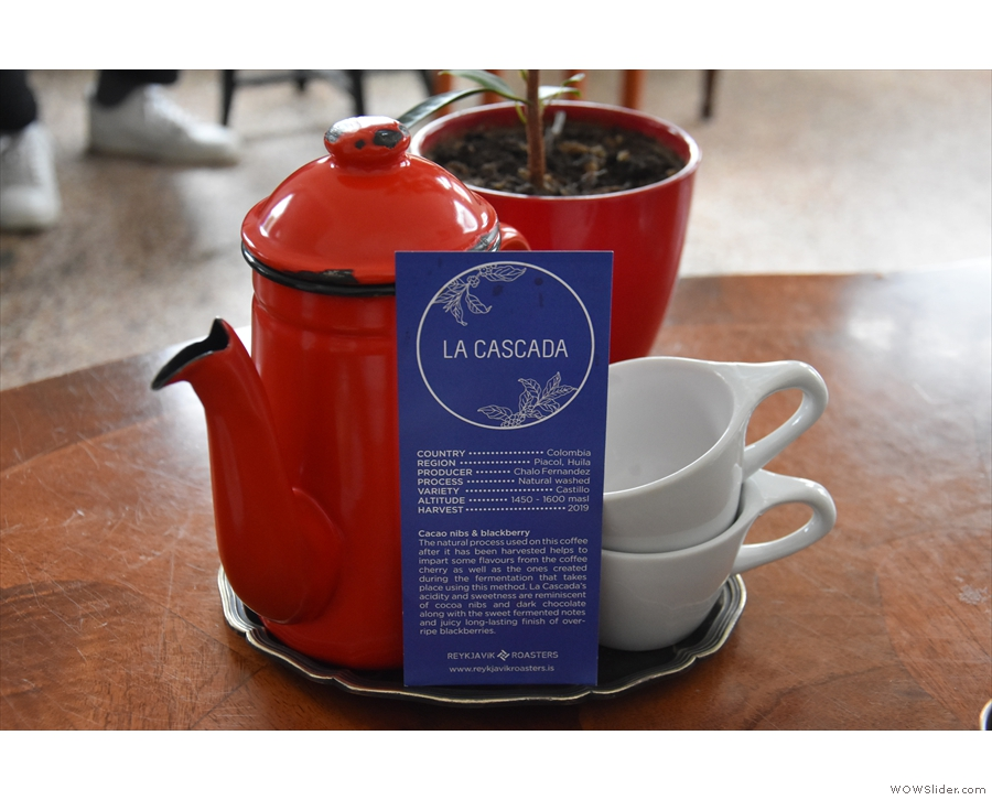 We paired this with a Kalita Wave for two, served in this neat, red coffee pot.