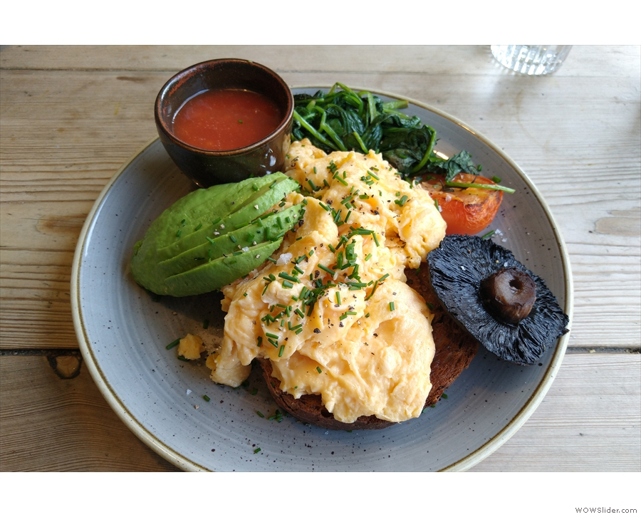 I had the vegetarian breakfast (I'd promised Sam I'd return to try the brunch menu)...
