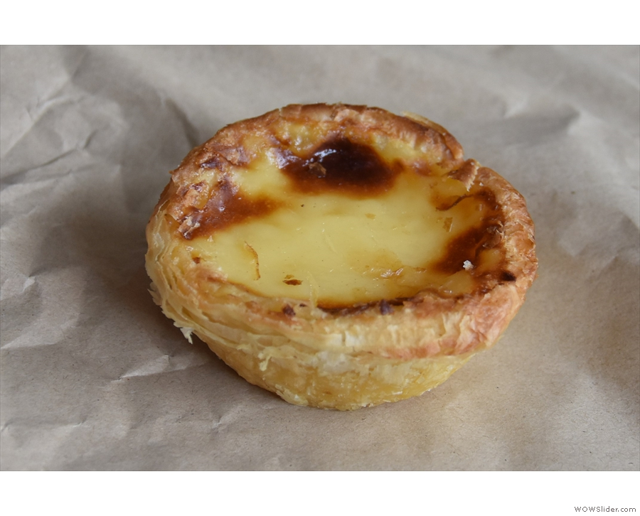 ... while this is a rare cake photo, of a pastéis de nata, which I had with my flat white.
