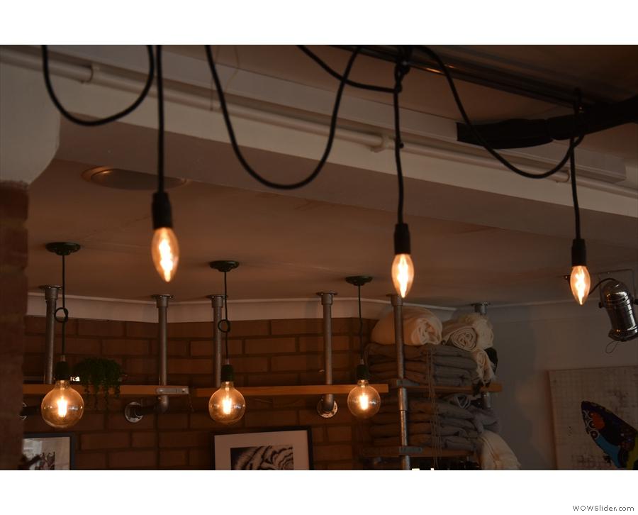 Despite all the windows, there are plenty of light bulbs...