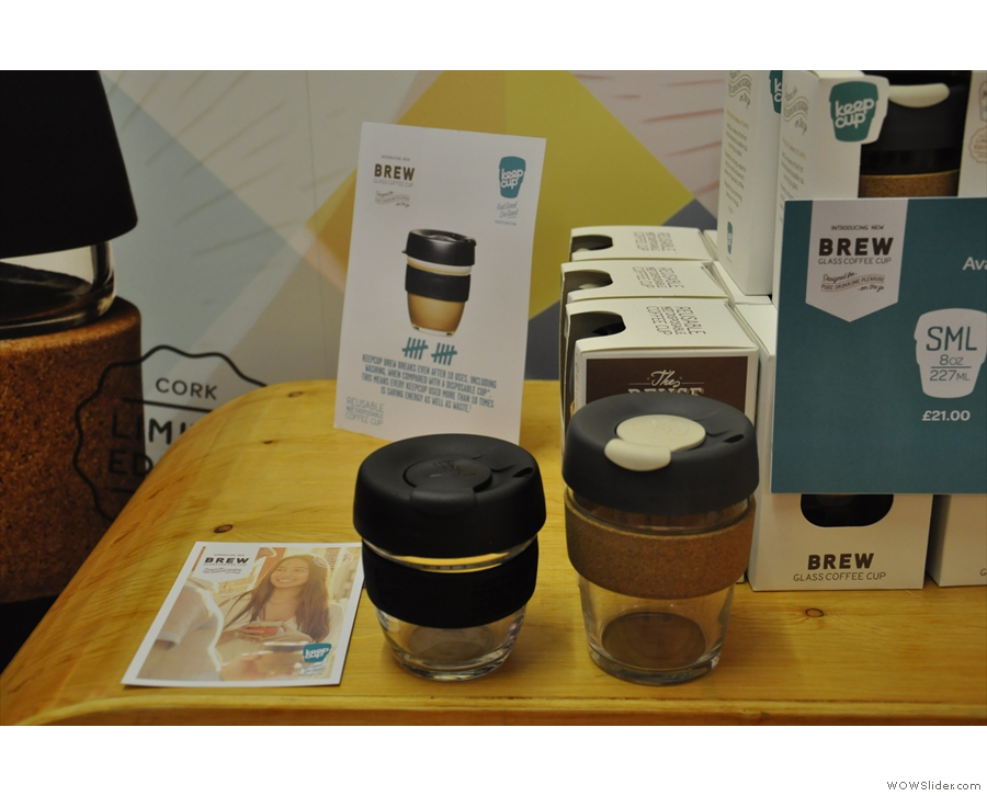 The regular (left) and Limited Edition (right) Brew KeepCup in the two sizes.
