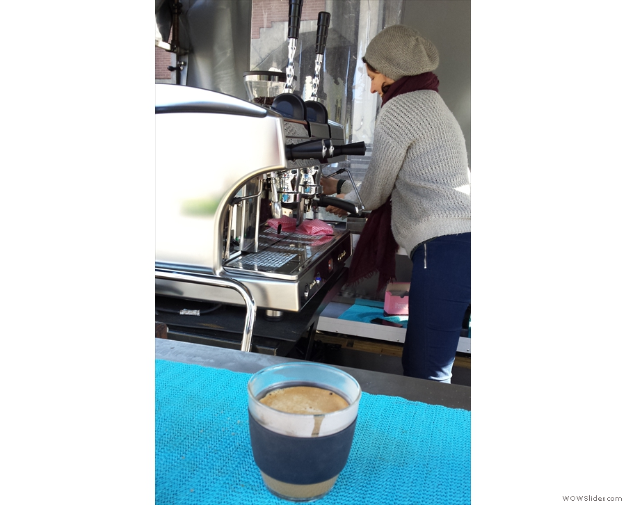 Here JOCO Cup admires Can Do Coffee's lever espresso machine.