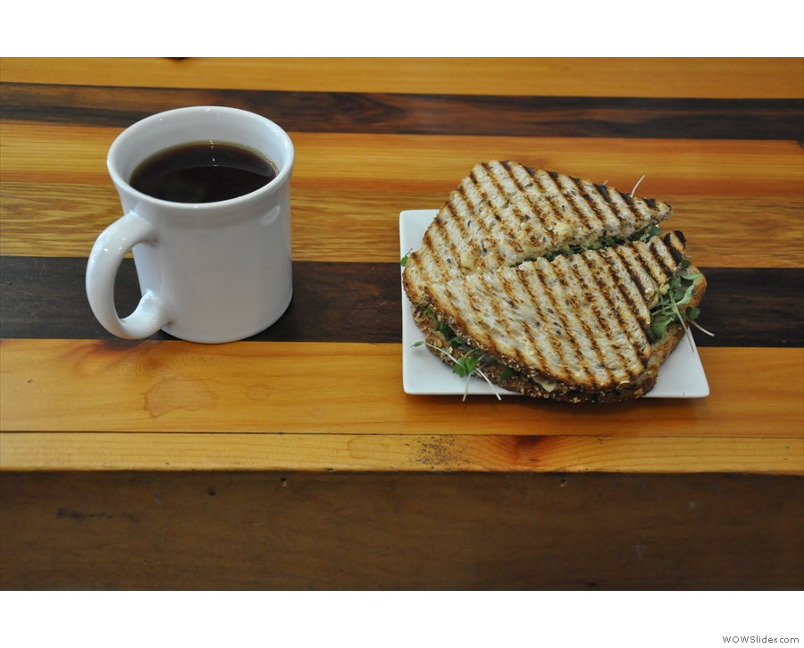 Et voila, my coffee and sandwich!