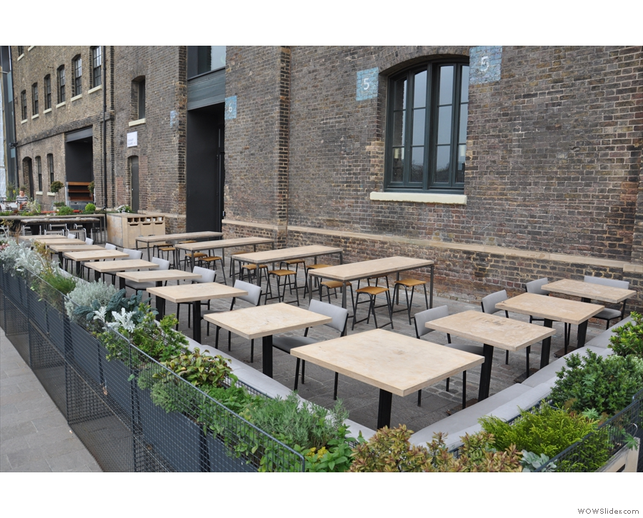 Nice outdoor seating... But are we in the right place?