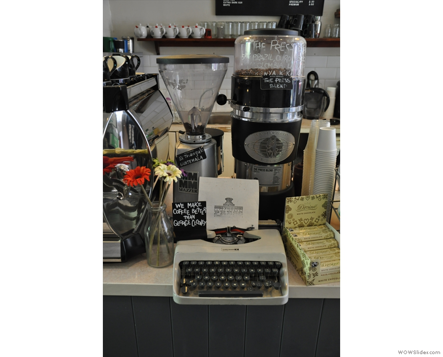 I know the typewriter fits the Fleet Street theme, but more coffee shops should have one!