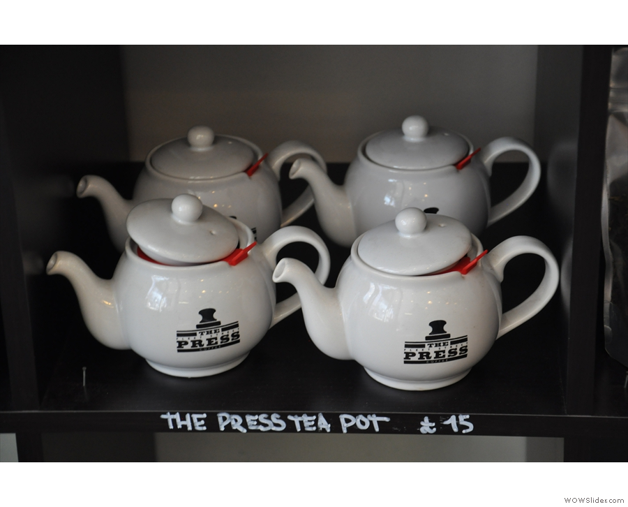 ... nice tea pots too!