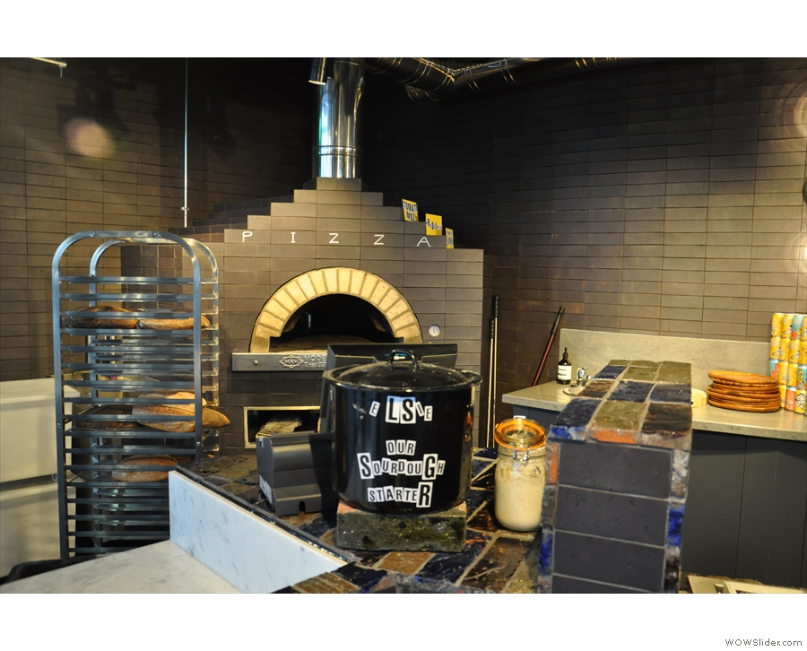 And what's that I see behind the counter? It's a pizza oven!