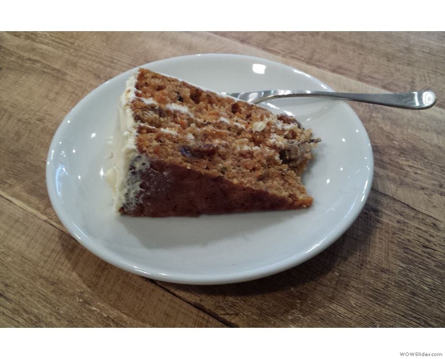 As promised, I got my hands on the last slice of carrot cake. How was it? Read the post!