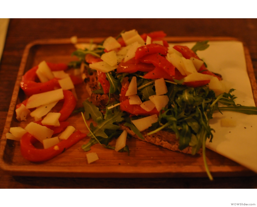 ...from which I selected a tasty crostini with roasted red peppers, rocket & shaved pecorino.