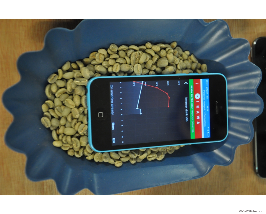 It's a simple concept. Take your green beans and select your roast profile on the app.