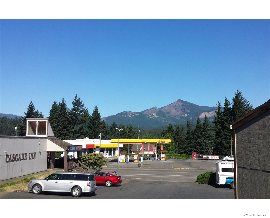 The view from my motel. Yes, it looks very much like yesterday's view. I'm not complaining!