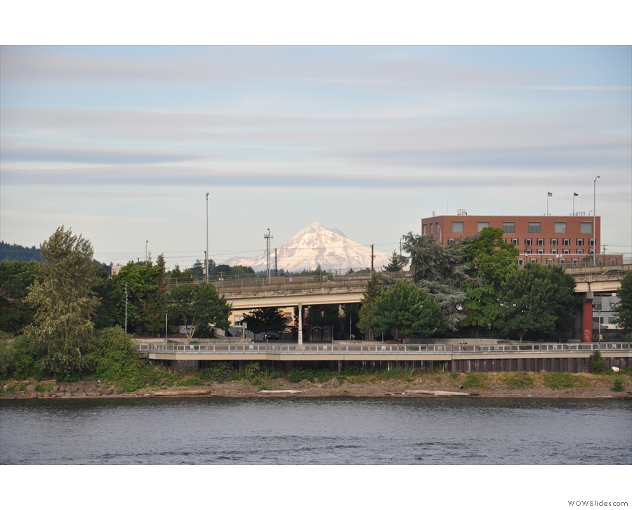 However, best of all was the view east across the river towards Mt Hood.