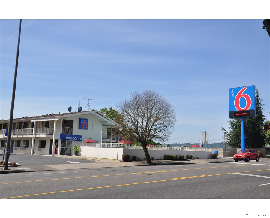 My home during my stay in Portland, the Motel 6 on Powell Bouvelard.