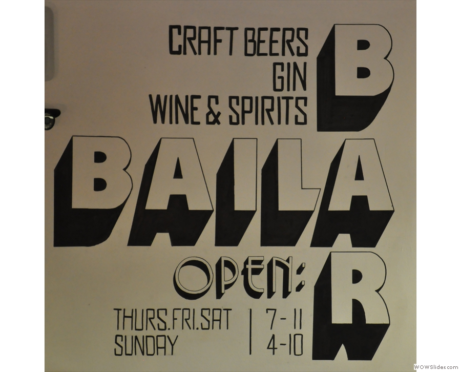In the evenings, Baila Coffee & Vinyl turns into Baila Bar!