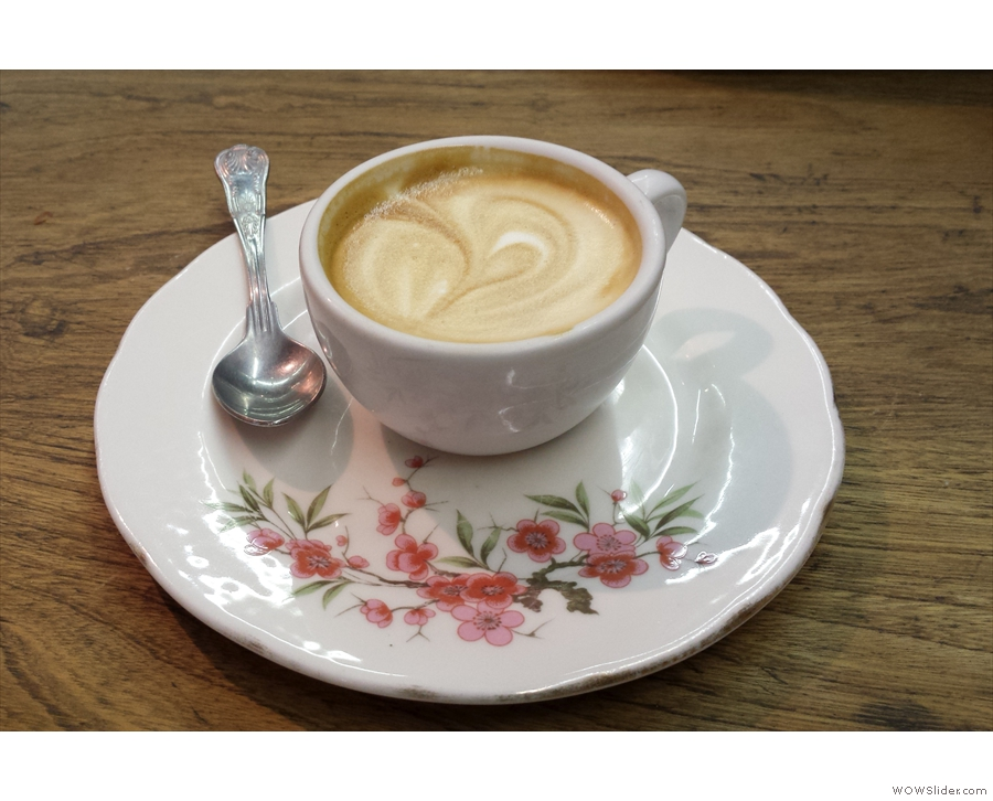 Something else I really liked at the original Wild & Wood: the oversized, floral saucers.