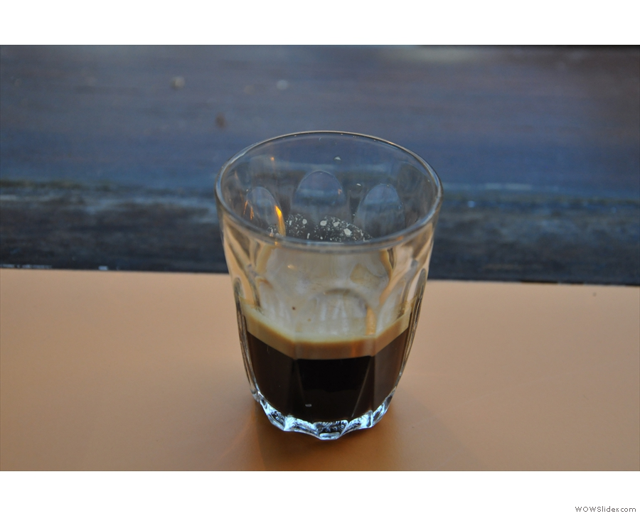 Having not had a single-origin Papua New Guinea espresso before, I had to try it on its own.