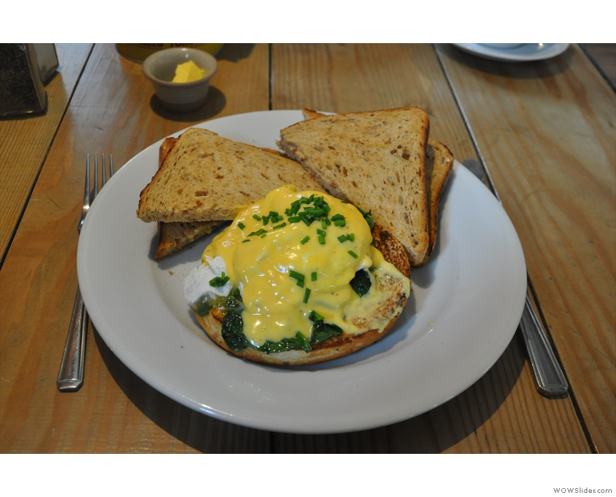 Naturally, I had Eggs Florentine from the all-day breakfast menu. With extra toast.