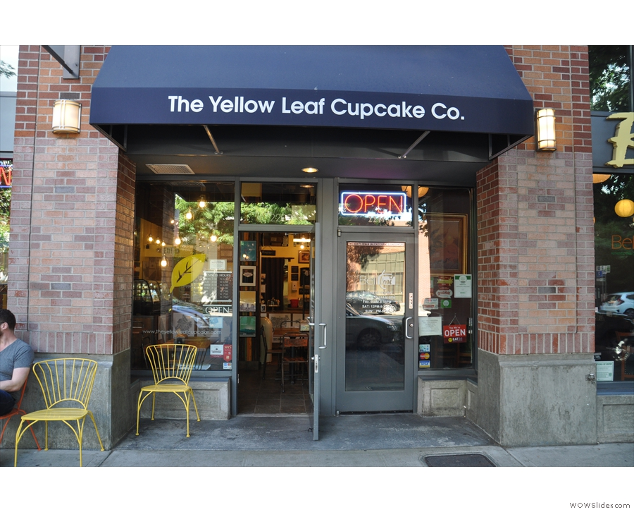 From there, I called into the Yellow Leaf Cup Cake Company for a cupcake break.