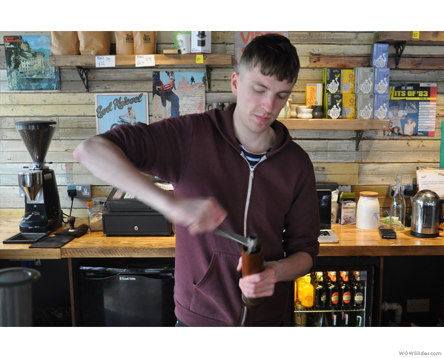 Sean gets to work. That's the first time I've seen a hausgrind in action in a coffee shop.