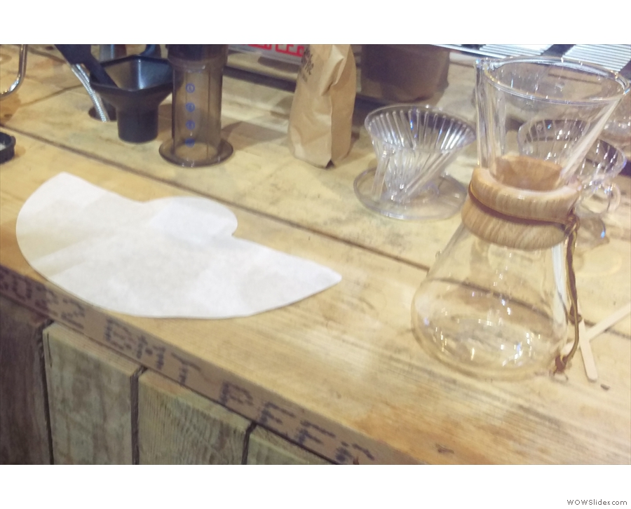 Luke began with the Chemex and the all-important folding of the filter paper.