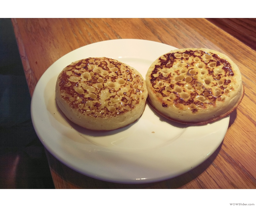 Security was a breeze, so with time to spare, I refuelled with buttered crumpets.
