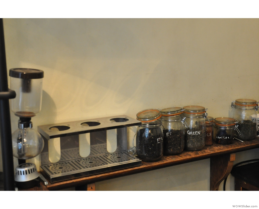 ... while there's a range of loose-leaf teas for those of that persuasion.