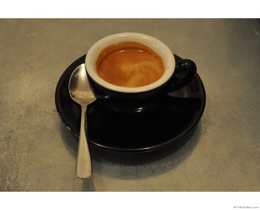 ... which produced this equally lovely single-origin espresso for me!