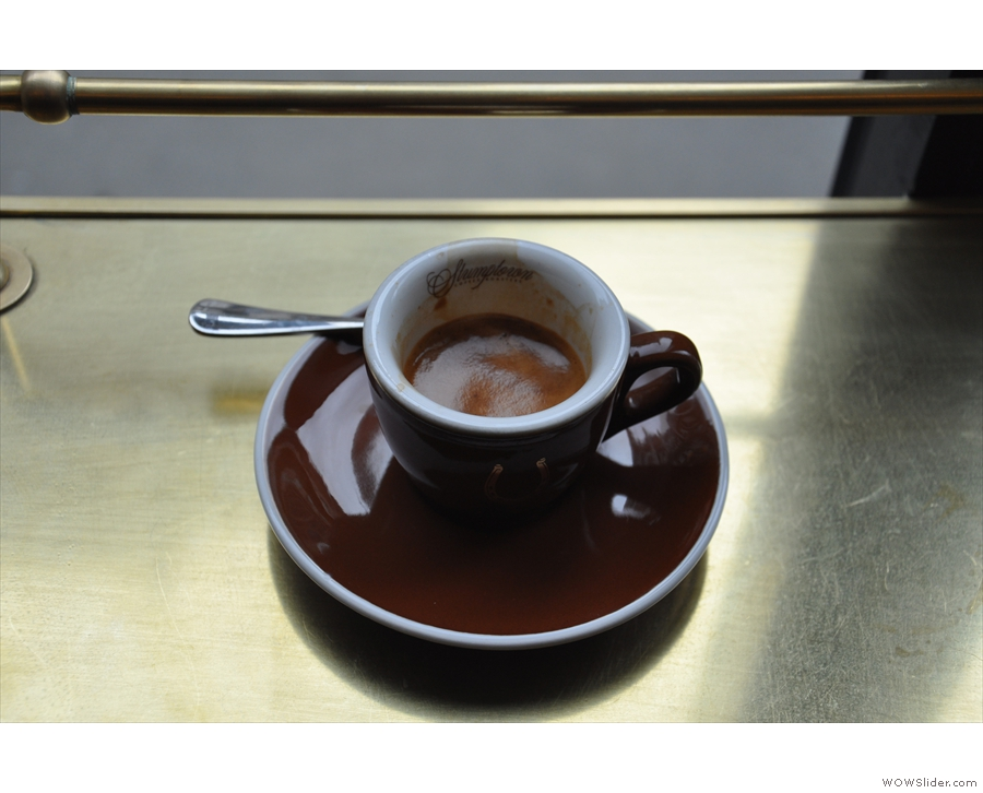 Just time for a cheeky espresso, using Stumptown's ubiquitous Hair Bender blend.