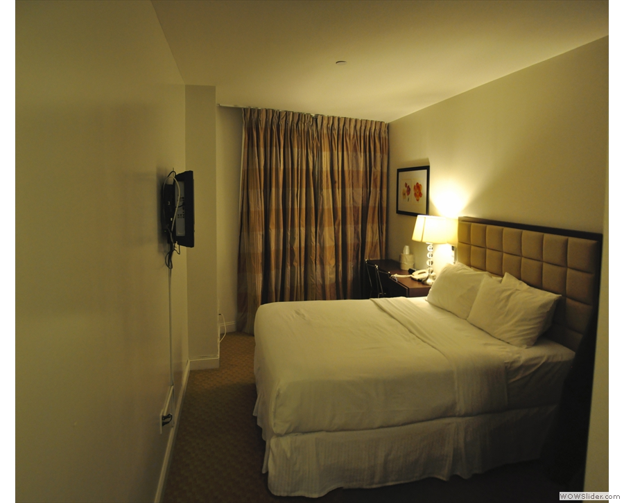 One of the reasons I stay at Hotel 91 is that the rooms are quite large.