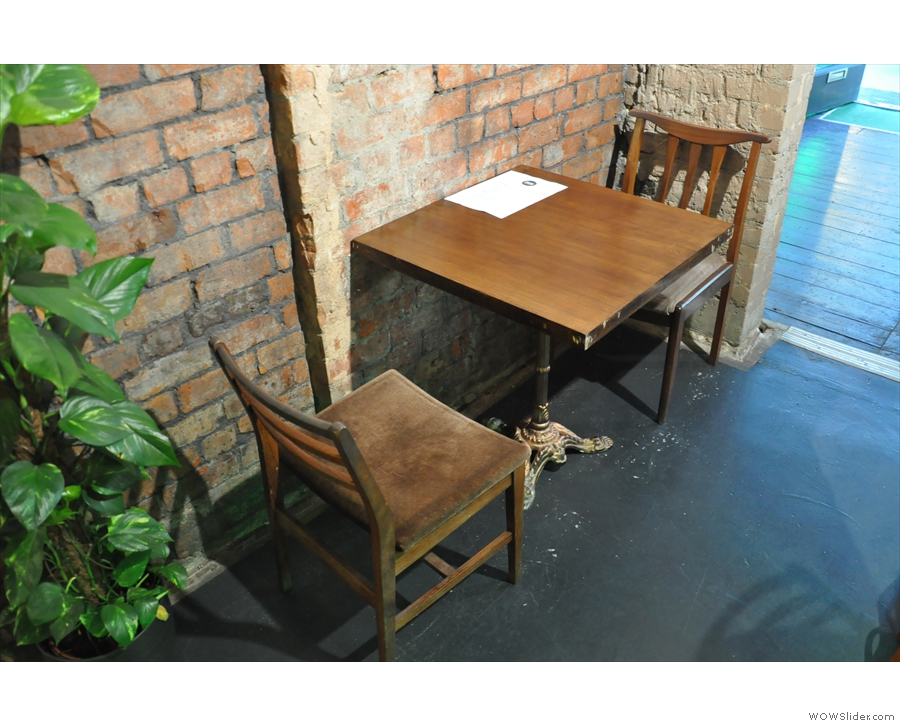 ... while on the other side, there's this cosy two-person table.