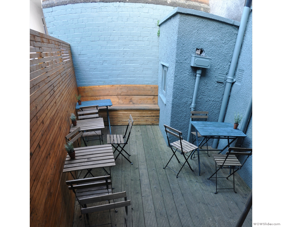 ... the enclosed patio. This is the view looking right from the door...