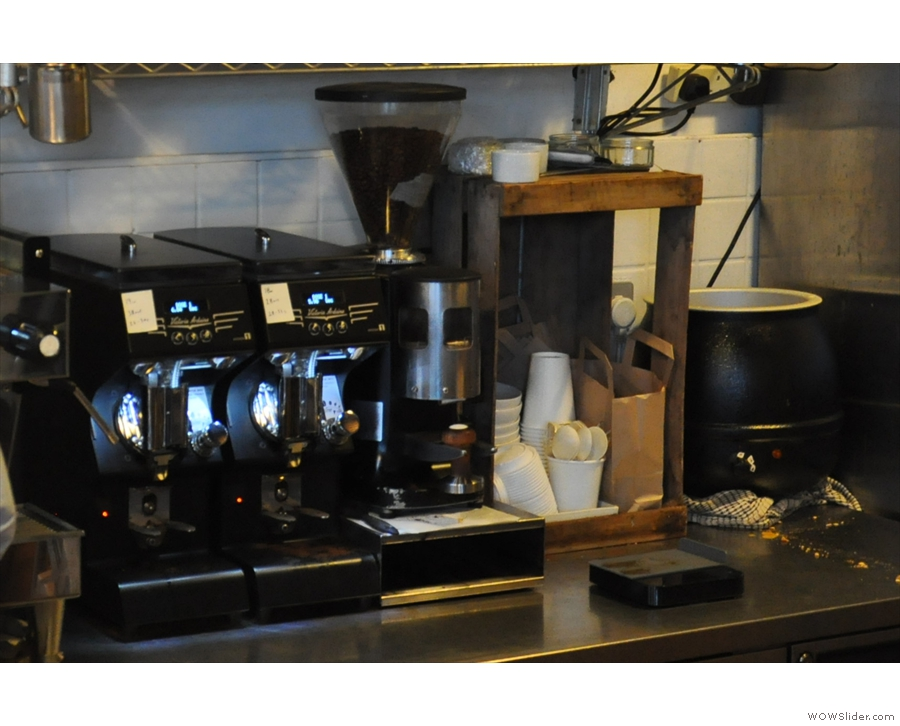 ... and a pair of very shiny Mythos 1 grinders. The old grinder's still there (for filter).