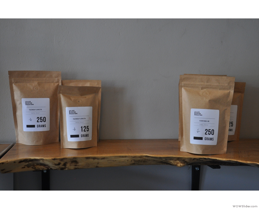 You can buy small bags (125g) or large ones (250g).