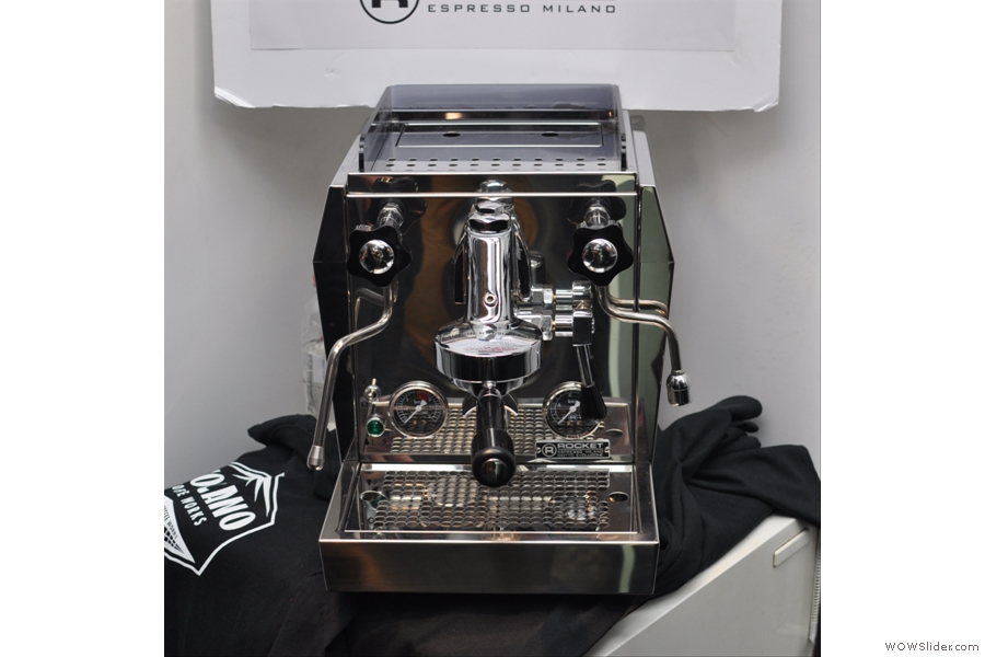 Perhaps the shiniest machines on display were on the the Rocket/Volcano stand. Here's the Giotto Plus V2, at the deluxe end of the home market. Something to aspire to...