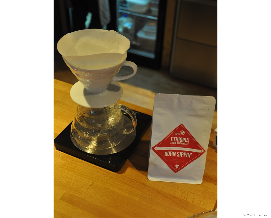 I went for the Born Sippin', an Ethiopian Yirgacheffe, through the V60.